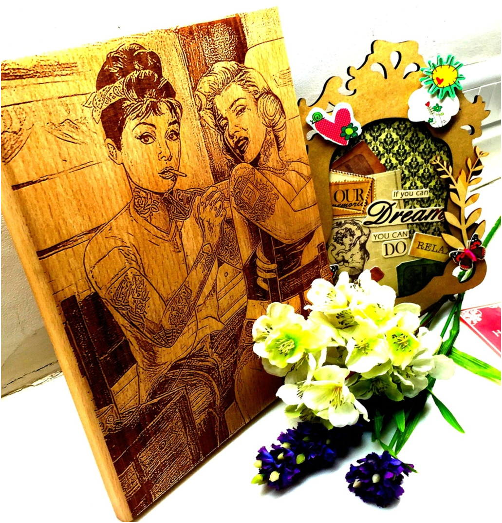 Photo Engraving on Wood Canvaschamp